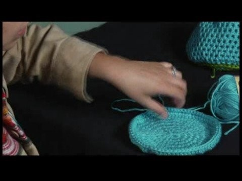 How to Crochet a Hat : Crocheting a Hat: Finishing Row 8