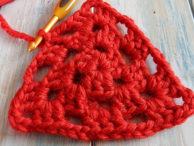 How to Crochet a Simple Granny Triangle