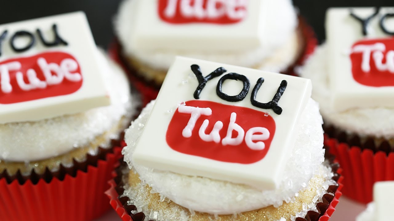 YOUTUBE CUPCAKES - NERDY NUMMIES