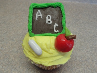 Decorating Cupcakes #112: Back to School- Chalkboard & Apple - Computer cupcake
