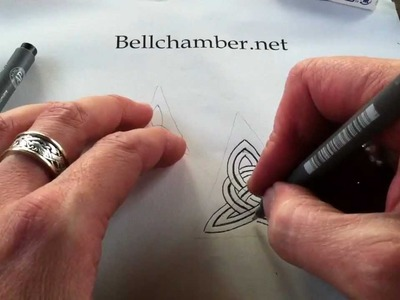 How to Draw Celtic Knots 4 - Clonmacnoise Triskele #1