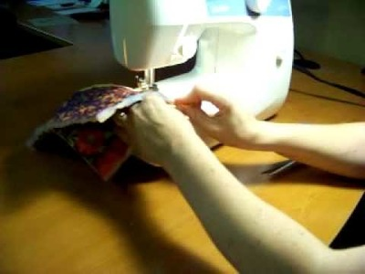 How to Sew a Cosmetic Bag-5 of 9
