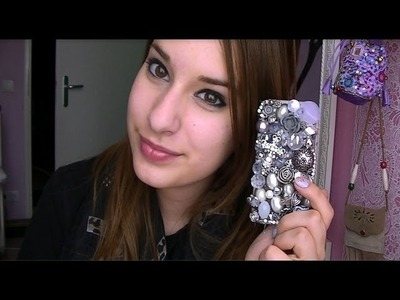 DIY: Phonecase with old jewelry!