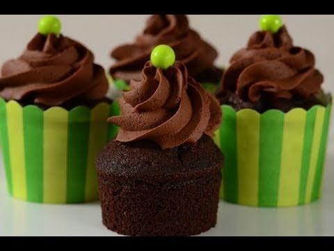 Chocolate Cupcakes Recipe Demonstration - Joyofbaking.com