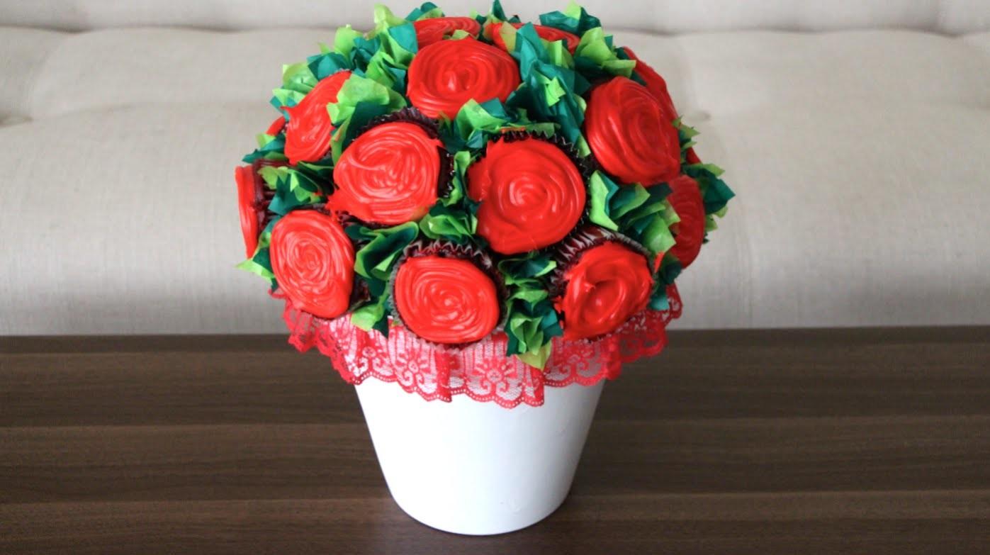 DIY- FLOWER CUPCAKE BOUQUET!