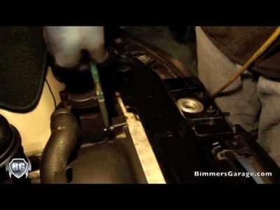 BMW Radiator Fan Shroud Removal : DIY [ How To ]. 330i (E46)