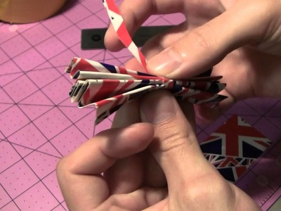 How to make Duct Tape Reversible Circle bows!