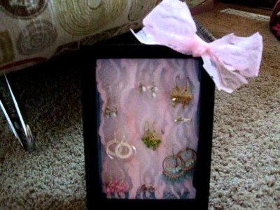 Cute DIY earring holder tutorial!