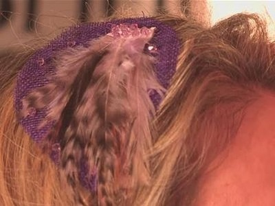 How To Make A Pretty Feather Hair Ornament