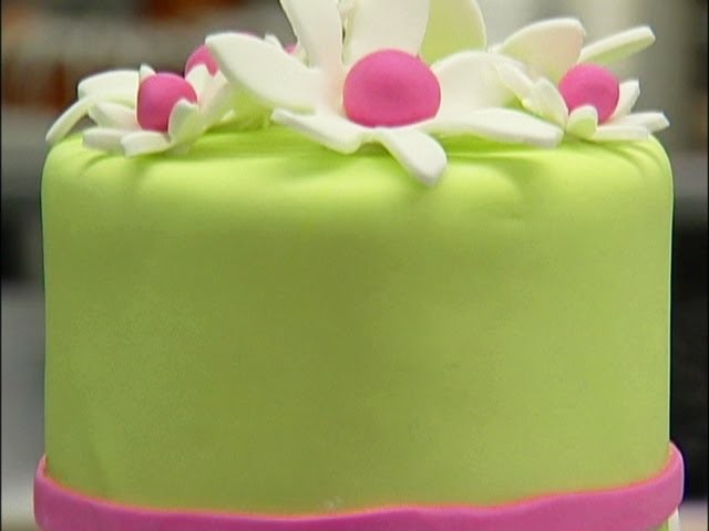 Cake Decorating: Fun With Fondant