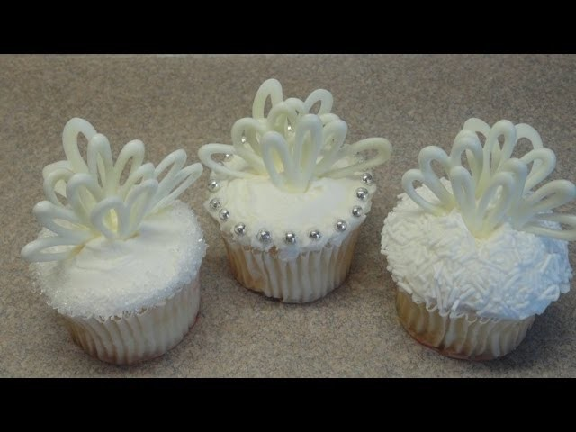 Decorating Cupcakes #64:  Wedding cupcakes (bridal shower cupcake)