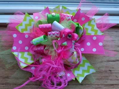 Funky Loopy Bow Tutorial with Artemis in Love