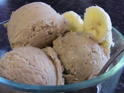 No sugars, NO creams, NO milk!  Healthy Banana & Peanut Butter Ice Cream!!