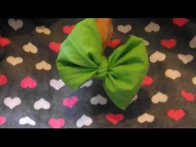 -TUTORIAL- How to make a bow out of a bandana!