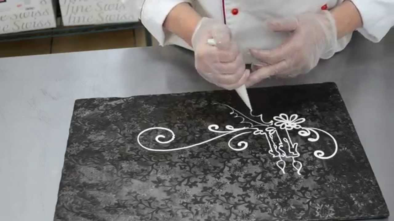 Cake Decorating Tips -  Piping Design for Custom Cakes