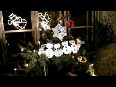 Making Paper Snowmen Decorations : How to Put Paper Snowmen Decorations on Christmas Trees