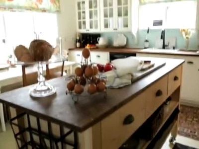 Clever Ideas for a DIY Kitchen Island