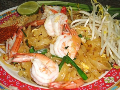 Thai Food Cooking Tutorial: Pad Thai