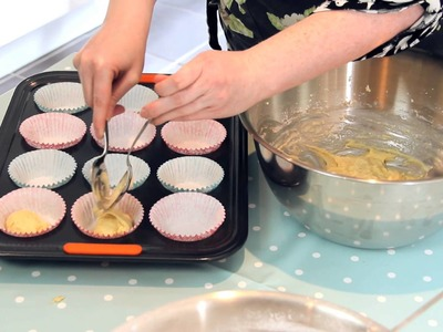 How to bake the perfect cupcake -- Bing UK