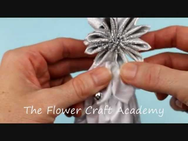 Kanzashi Christmas Tree Star Tutorial