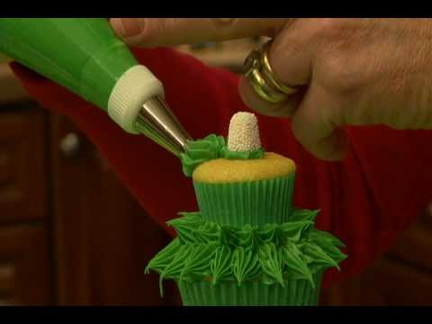 Make Trim the Tree Cupcakes with Karen Tack!