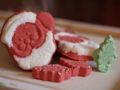DIY Christmas Bath Bomb & Demo - Christmas party favors!!