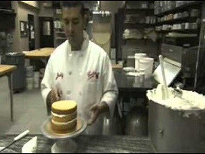 Icing a cake Buddy Valastro Style