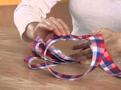 How to Make a Large Bow for a Table Centerpiece : Cold Weather Crafts