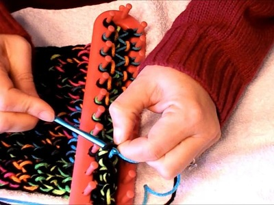 How to remove a scarf from a loom with both ends being the same size
