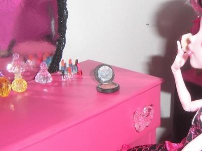Como fazer pó de arroz, esmalte e batom para boneca Monster High, Barbie e etc
