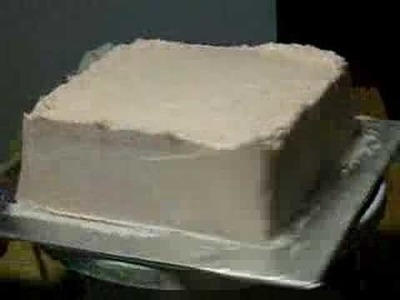 Frosting a square cake