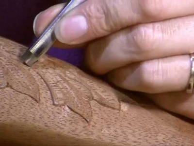 How to carve an acanthus leaf on a cabriole leg
