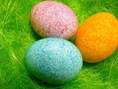 Easter Egg Decorating - Coloring with Dye Rice - Shake It