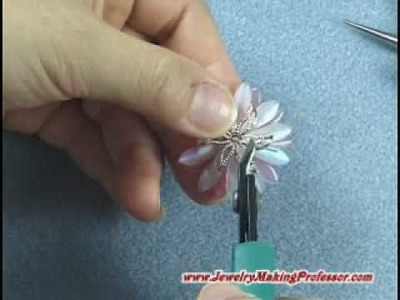 Jewelry Making Video - Daisy Necklace