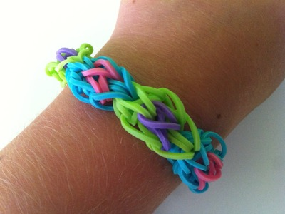 How to make a bullseye rainbow loom bracelet.