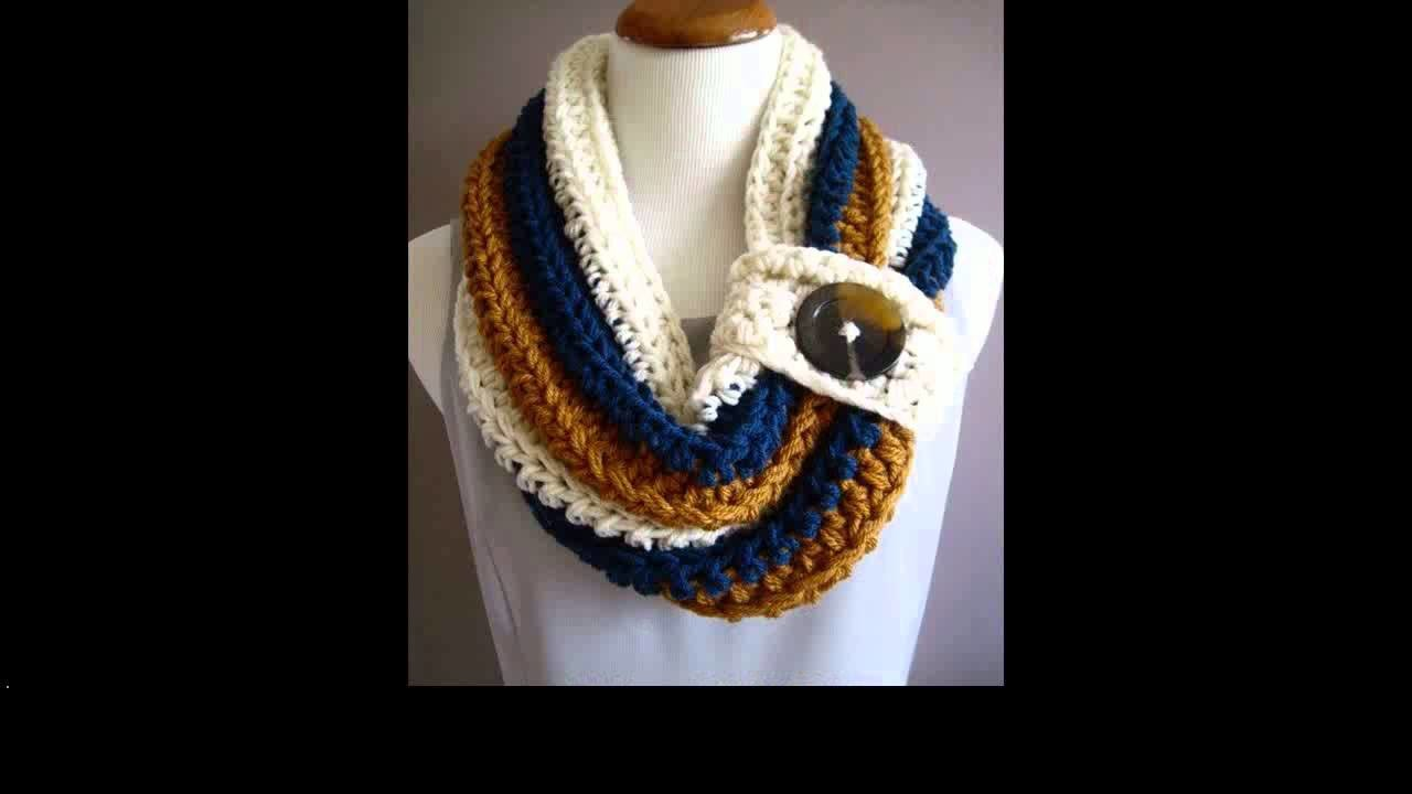 Crochet cowl with buttons