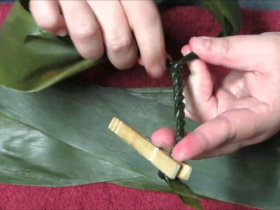 Making a TI leaf Lei for graduation  PART 1