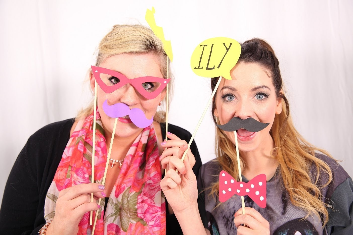 ZOELLA & SPRINKLE OF GLITTER: PHOTOBOOTH