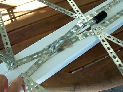 Rugged version of HDTV coat hanger antenna