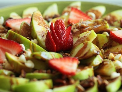 Apple Nachos: Pecan Strawberry Chocolate Heath Bar Recipe || KIN EATS