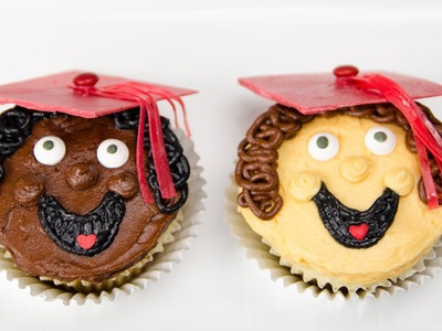 How to Make Graduation Cupcakes from Cookies Cupcakes and Cardiocakes