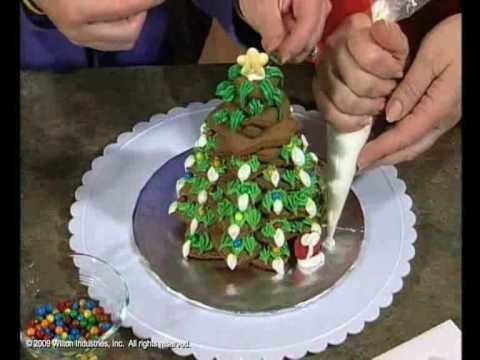 Learn How to Decorate Gingerbread for All Seasons
