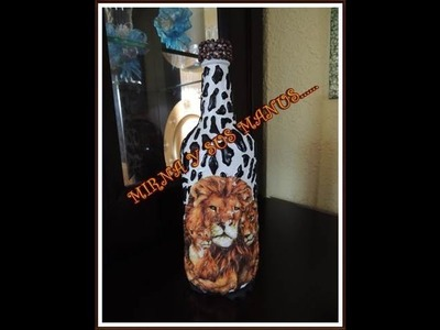 RECICLANDO BOTELLA     . . Recycling glass bottle. .