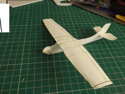 5 inch plane with Paper wings
