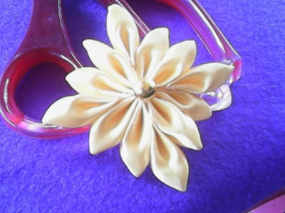 DIY-kreasi bunga dari pita  satin bentuk bintang-floral creations of satin ribbon shape star