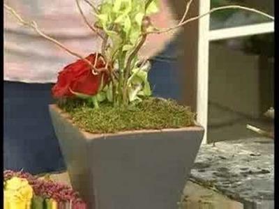 Contemporary European Flower Arrangements : Contemporary European Flower Arrangement: Adding Mass Flowers