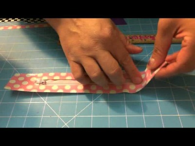TUTORIAL: Duct Tape Pencil Pouch with zipper (Part 1)