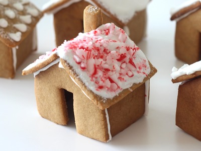 How To Make a Mini Gingerbread House | Christmas DIY