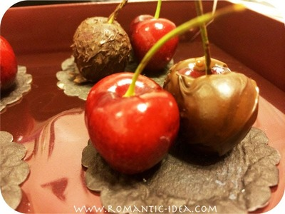 DIY Chocolate-dipped.chocolate-covered Fruits: Cherries, Strawberries, and etc| Romantic-idea.com