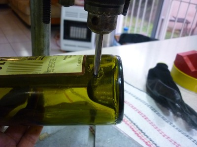 Como Perforar Botella Vidrio (How to drill a glass bottle)